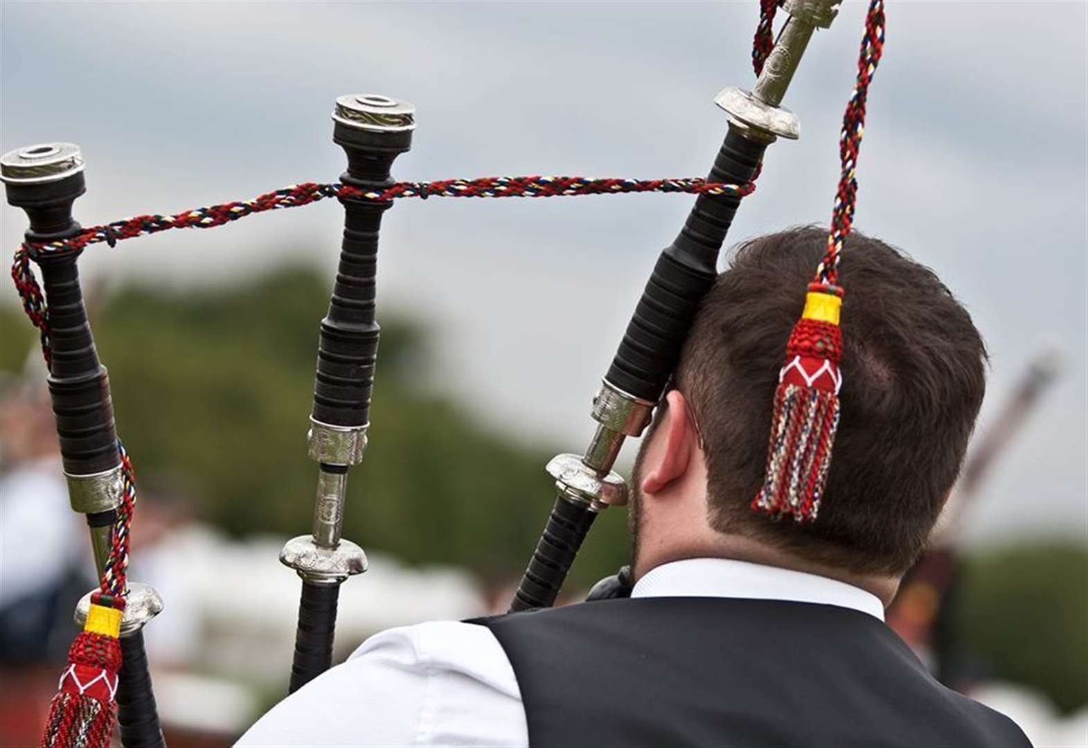 Moray pipers to join clapping chorus for key workers