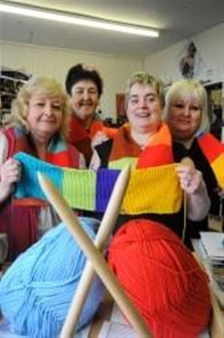 Record attempt for Elgin charity scarf