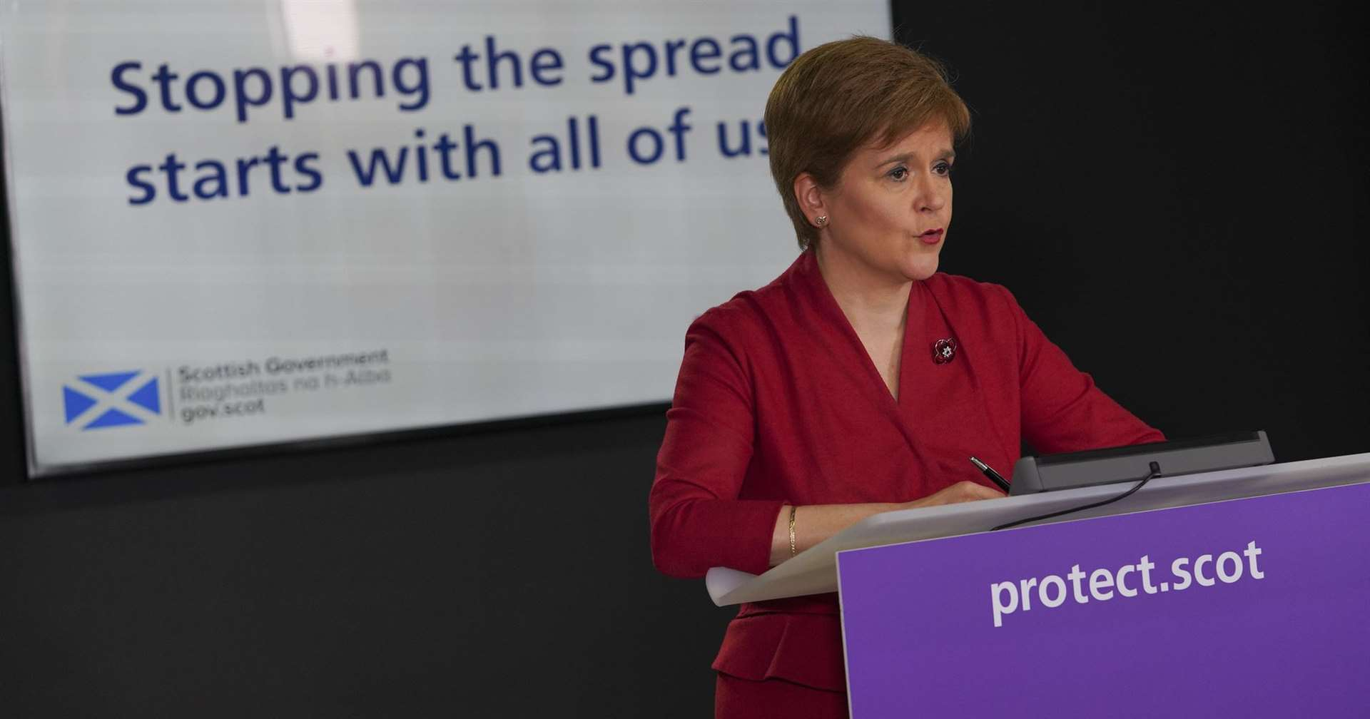Travel between Scotland and England banned, Nicola Sturgeon has announced