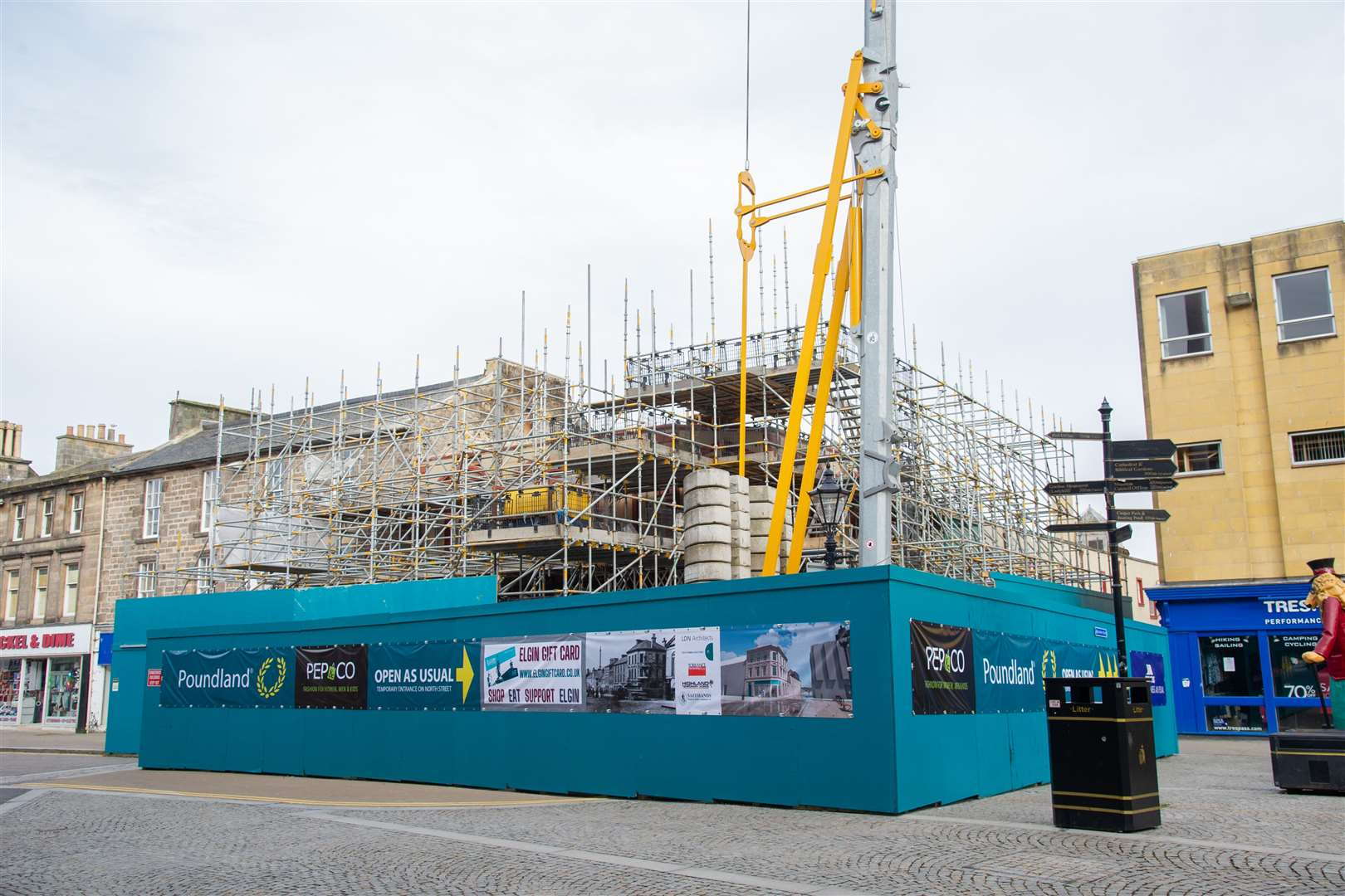 The demolition and renovations of Elgin's Poundland store continues with a tower crane and scaffolding surround the building. ..Picture: Daniel Forsyth..