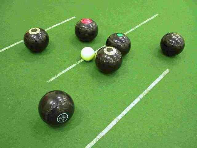 The race for the Morayshire indoor bowls titles is hotting up.